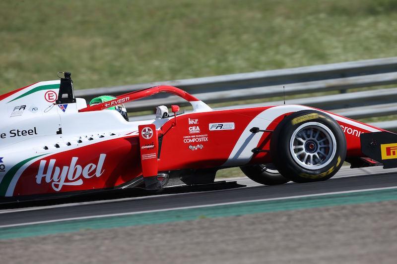 Региональная Ф3: Вести доминирует в первой гонке на Хунгароринге