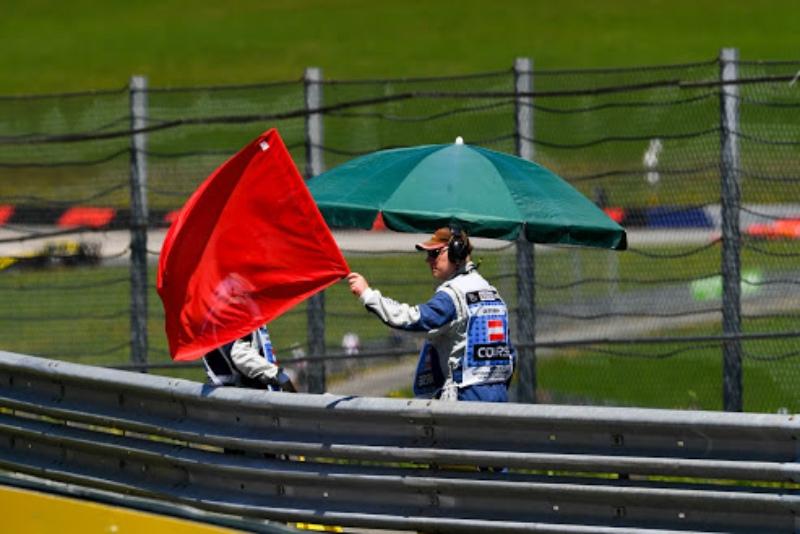 Гонка «Формулы-2» в Бельгии была прервана ужаснейшей аварией