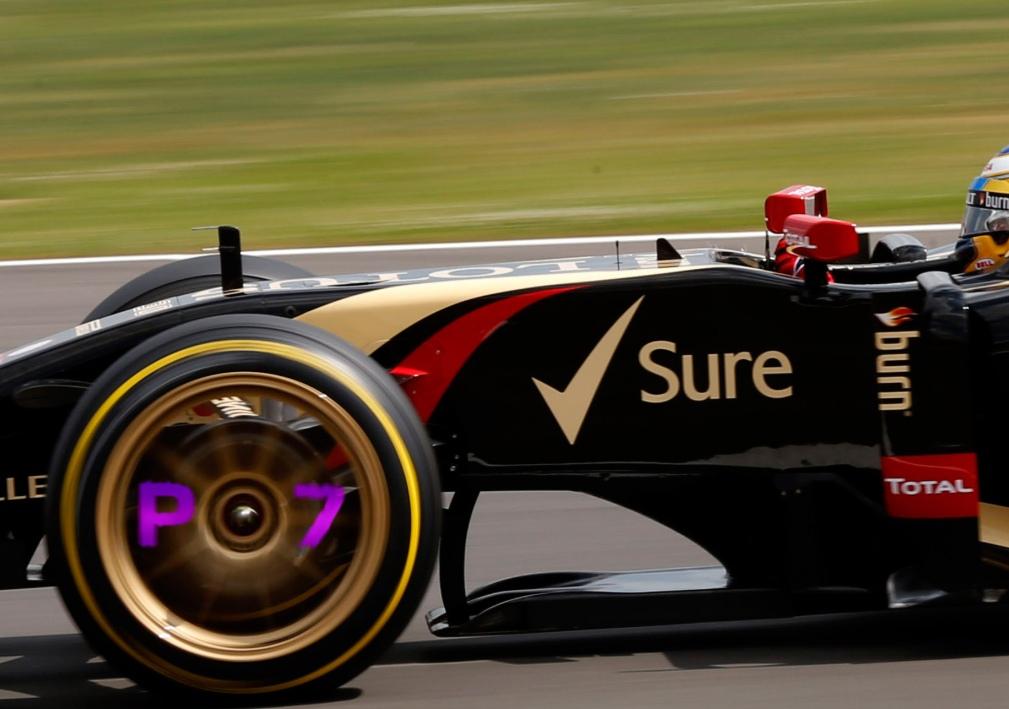 В 2021 году в «Формуле-1» хотят ввести дисковые светодиодные панели