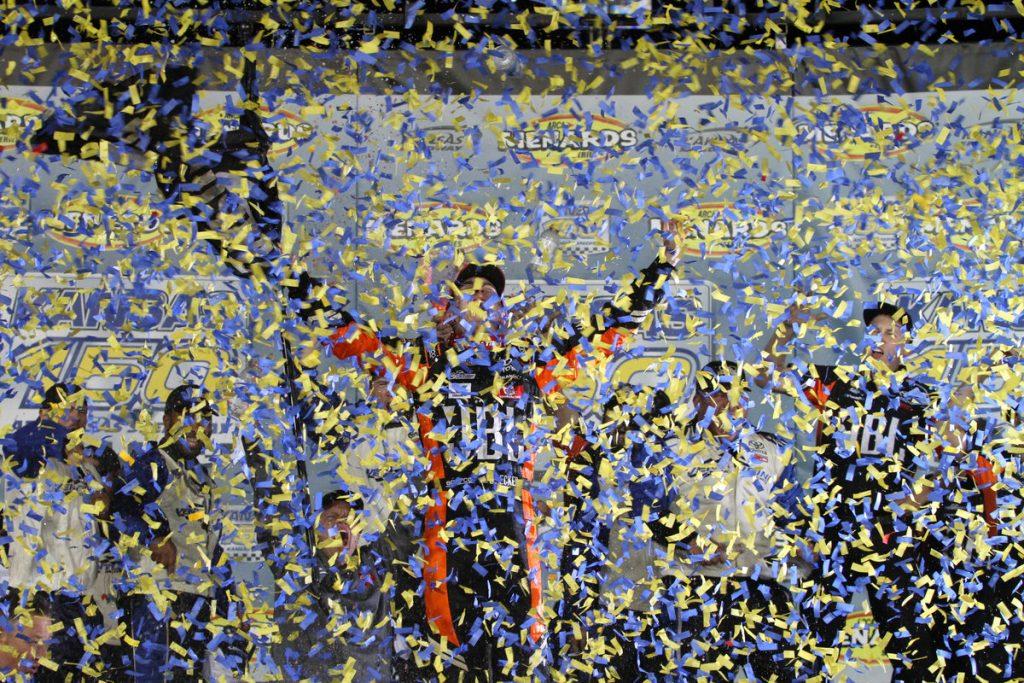 Кристиан Экес завоевал титул чемпиона серии АРКА победив в последней гонке сезона