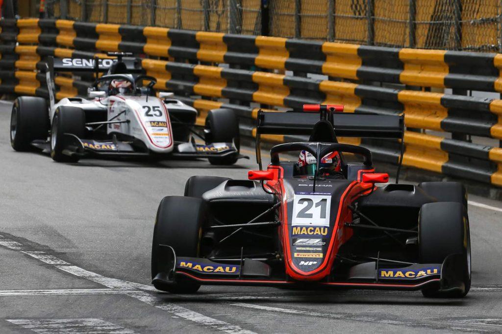 Вершор вырвал победу в Гран-при Макао, Шварцман сошел на первом круге