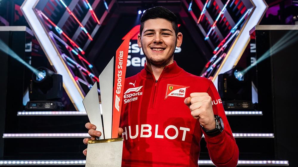 Давид Тоницца стал победителем третьего сезона «Ф1 е-Спортс Сериес»