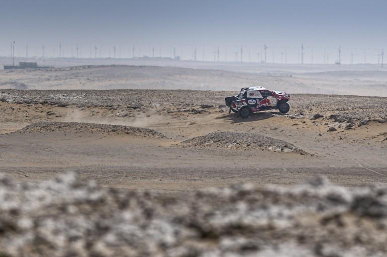 Аль-Аттия выиграл первый этап Кубка мира по ралли-рейдам, Шмотьев 9-й
