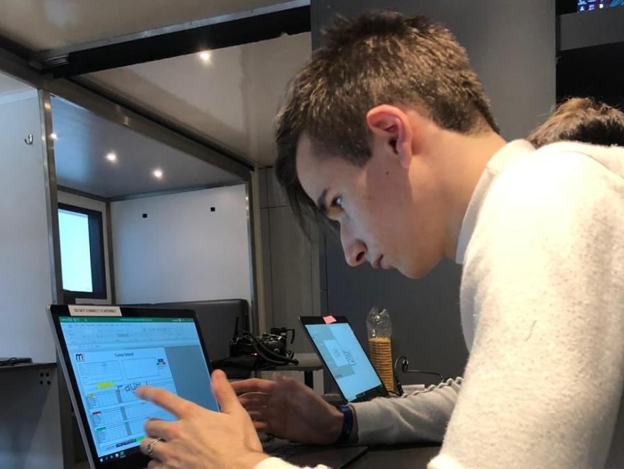 Белов завершил первый день тестов ФР2.0 с седьмым временем