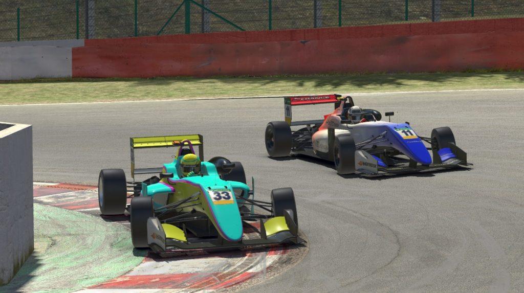 Люк Браунинг выиграл последнюю гонку сезона виртуальной Ф4, Несов закончил чемпионат восьмым