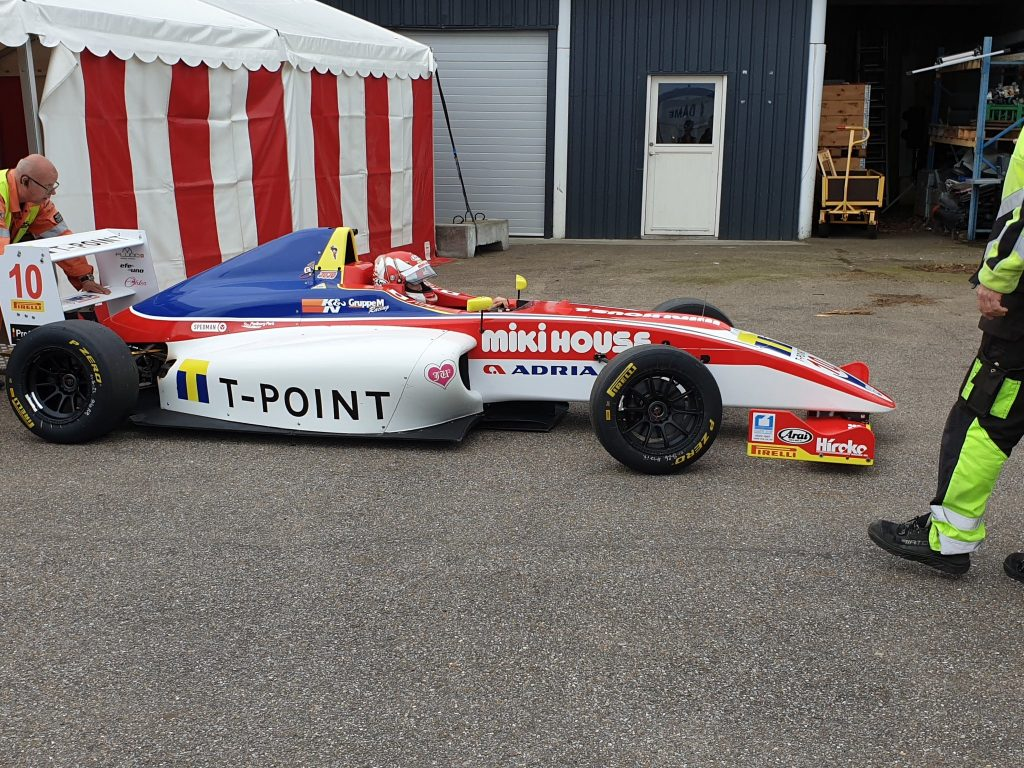 Джуджу Нода выиграла первую гонку сезона в датской Ф4