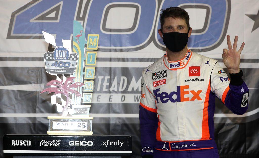 Три часа дождя, которого нет. Дэнни Хэмлин выиграл гонку Кубка НАСКАР в Майами.