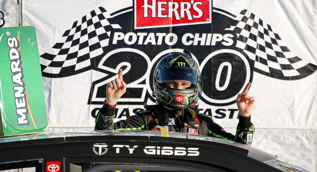 Тай Гиббс одержал победу в гонке Восточного дивизиона АРКА
