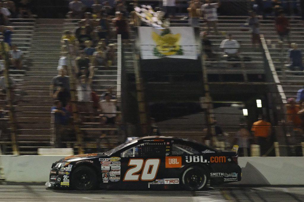 Чендлер Смит победил в гонке серии АРКА в Клермонте