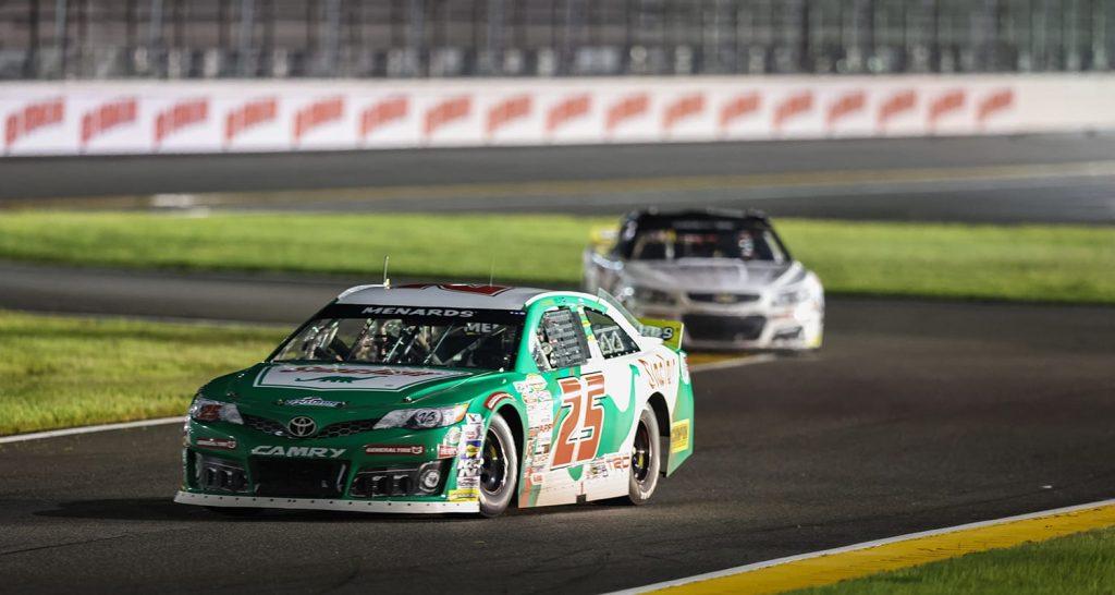 Майкл Селф одержал победу в гонке серии АРКА в Дейтоне