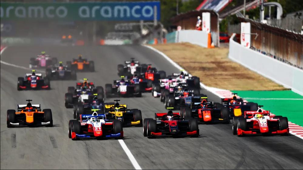 "Мацусита выиграл основную гонку ""Формулы-2"" в Испании, Шварцман – 2-й"