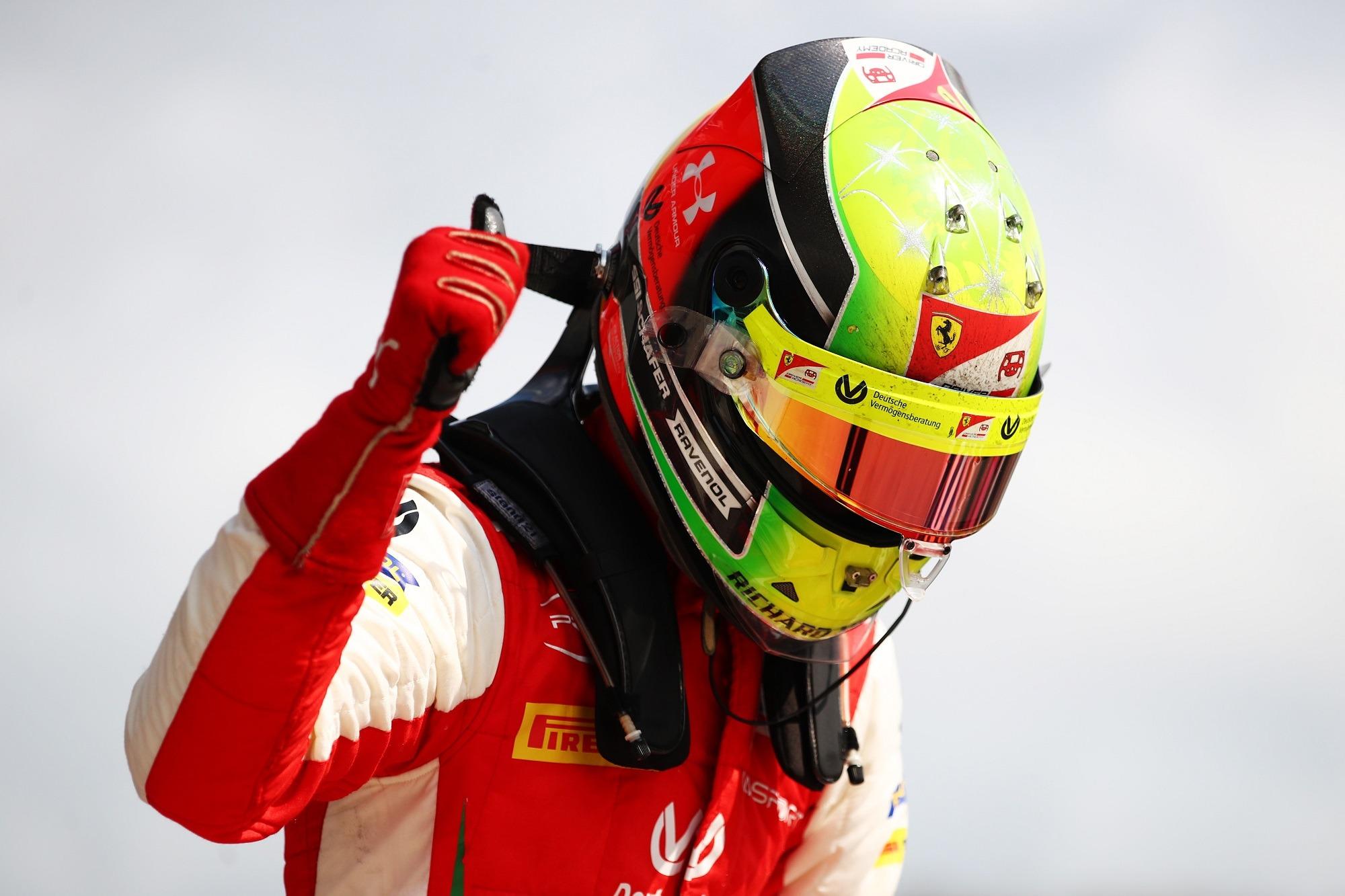 Мик Шумахер выиграл первую гонку Ф2 в Сочи, упрочив лидерство в личном зачёте