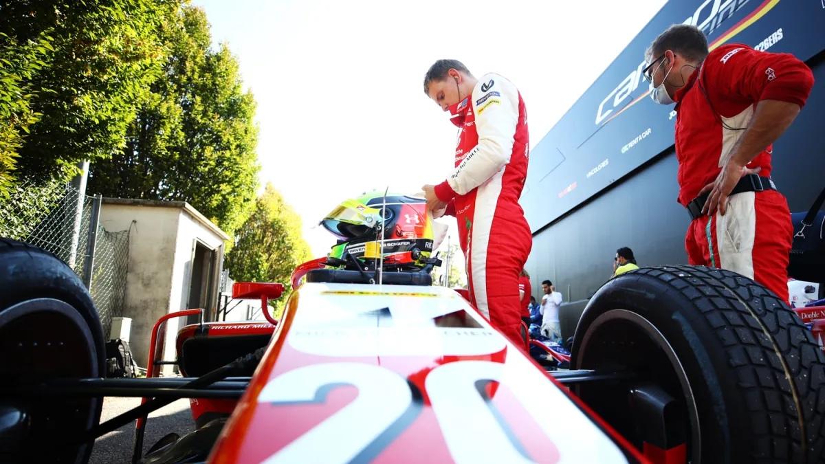"Мик Шумахер выиграл субботнюю гонку восьмого этапа ""Формулы-2""!"