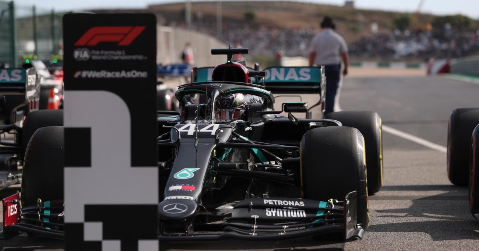 Хэмилтон вырвал поул на Гран-при Португалии, Квят стартует 13-м