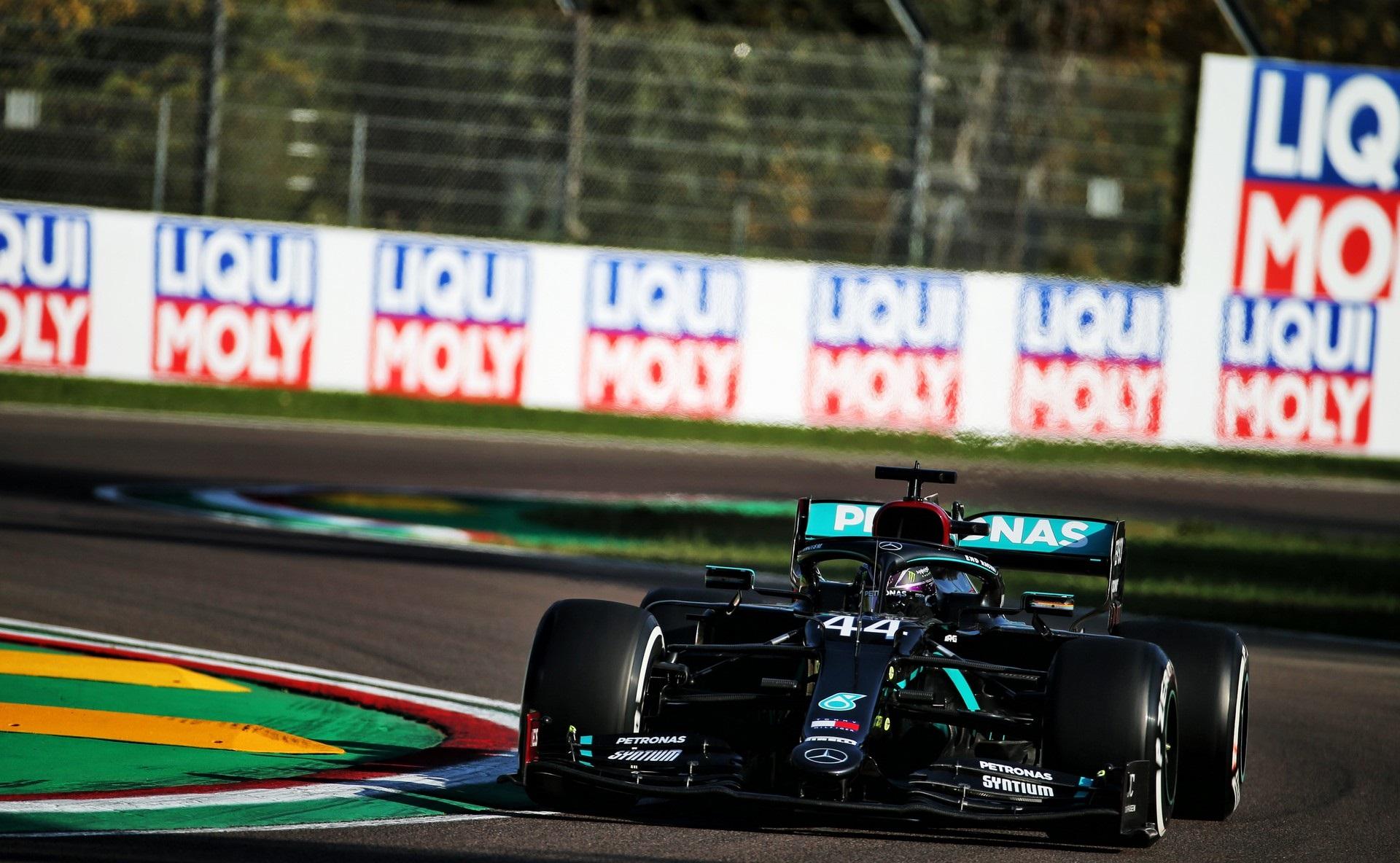 Льюис Хэмилтон выиграл Гран-при Эмилии-Романьи 2020 года. Квят – четвертый