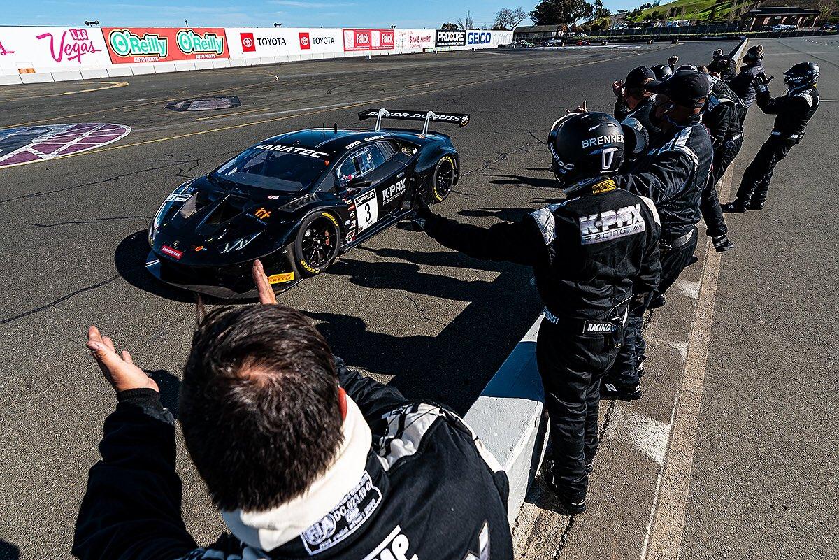 Двойные гонки – двойные победители. Обзор американских гонок ГТ в Сономе.