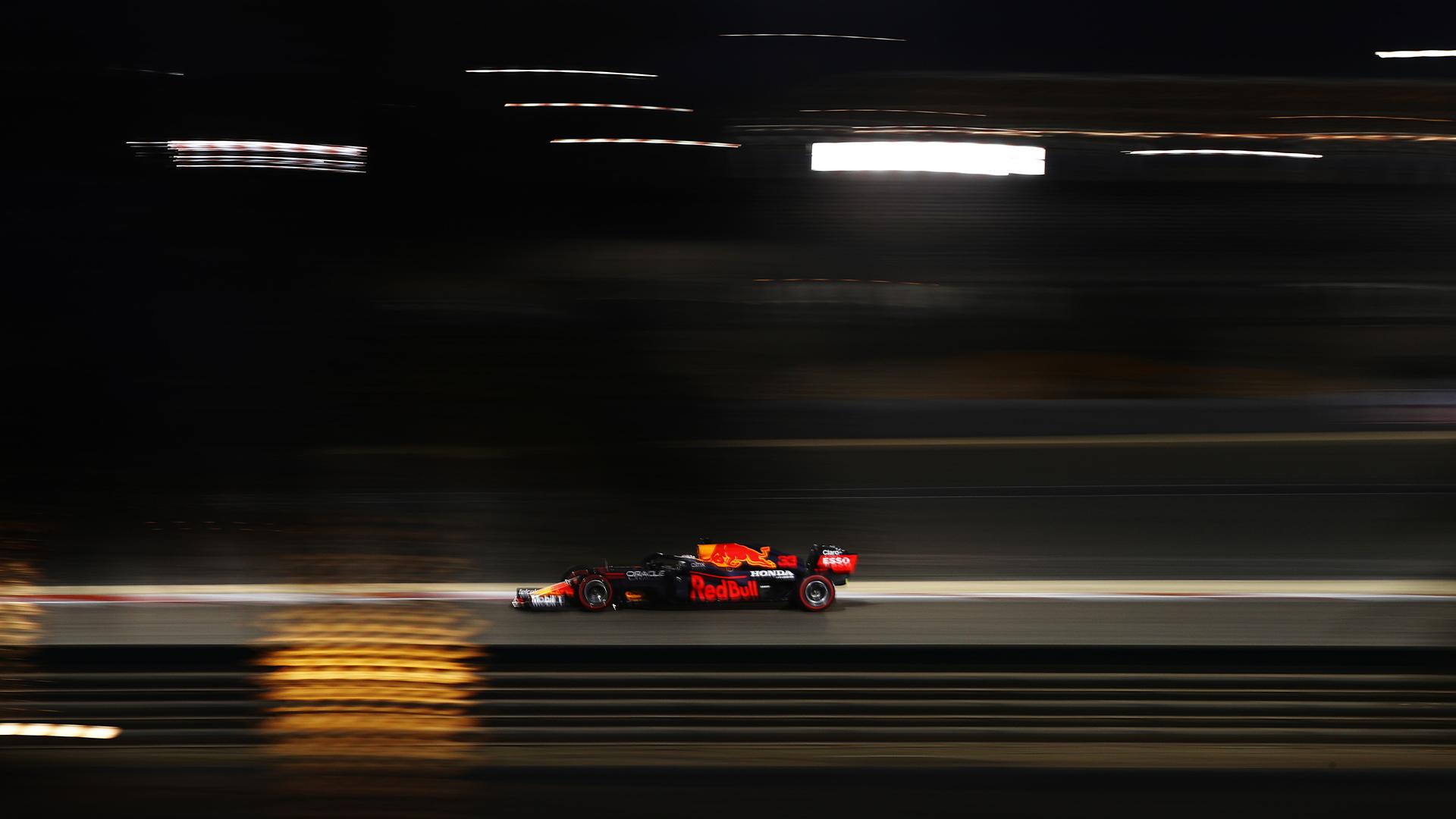 Макс Верстаппен выиграл поул перед Гран-при Бахрейна 2021 года, Мазепин – последний