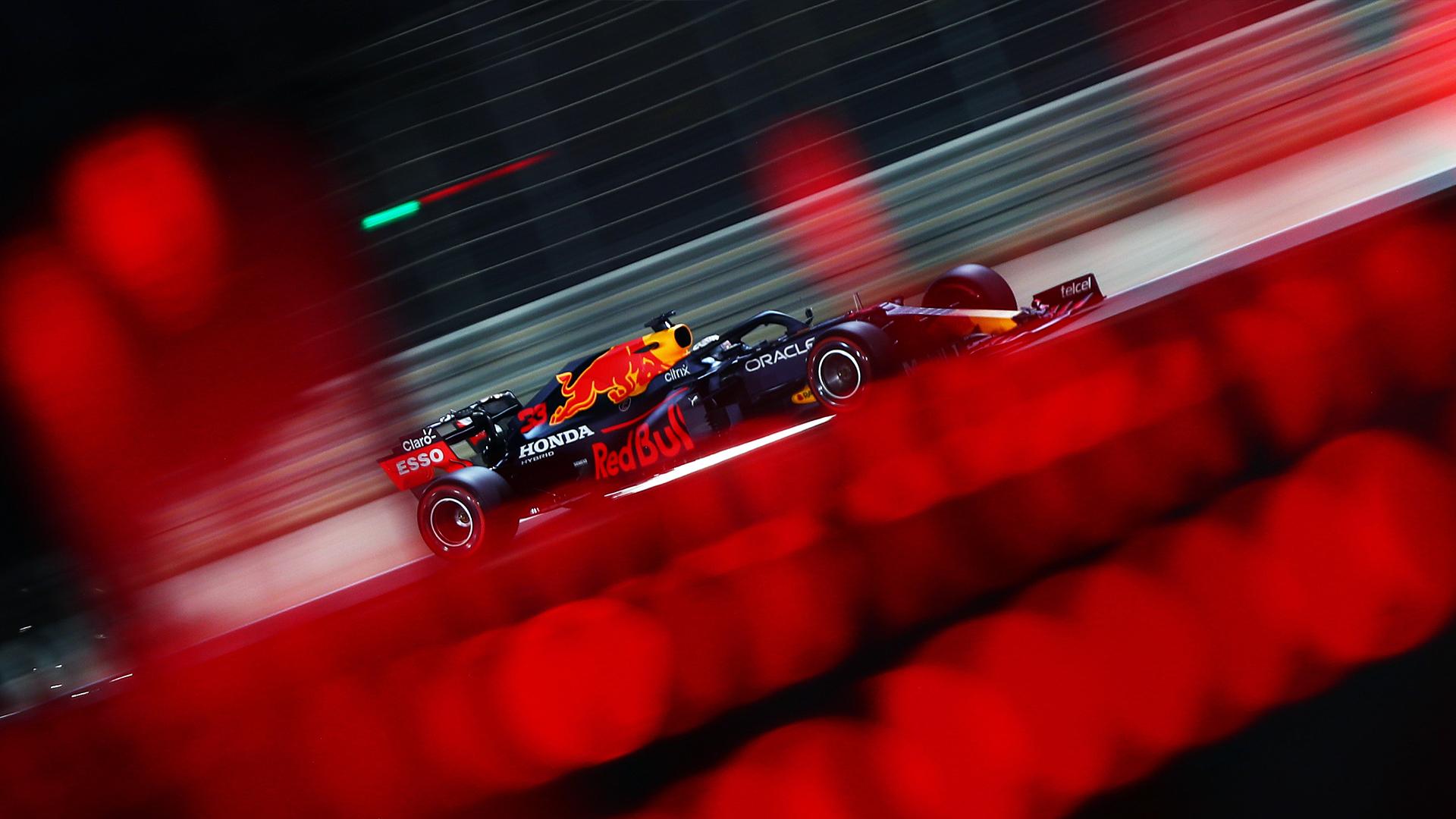 Верстаппен остался быстрейшим гонщиком пятницы Гран-при Бахрейна